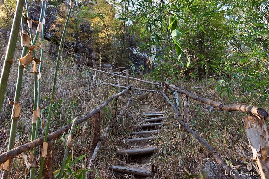 По лестницам к каньону