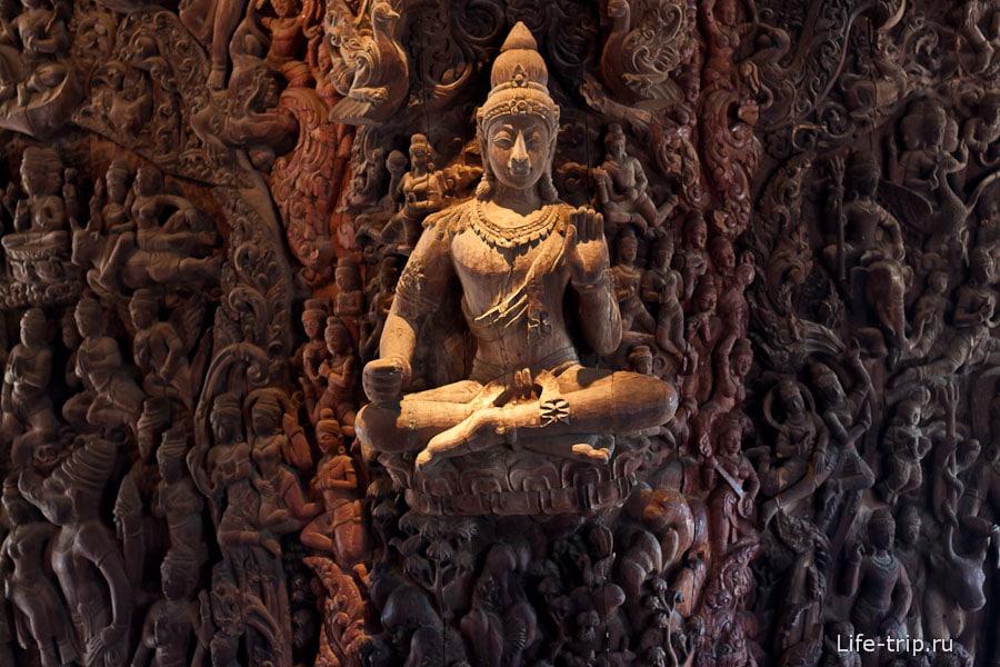 Будда прям как парит в воздухе