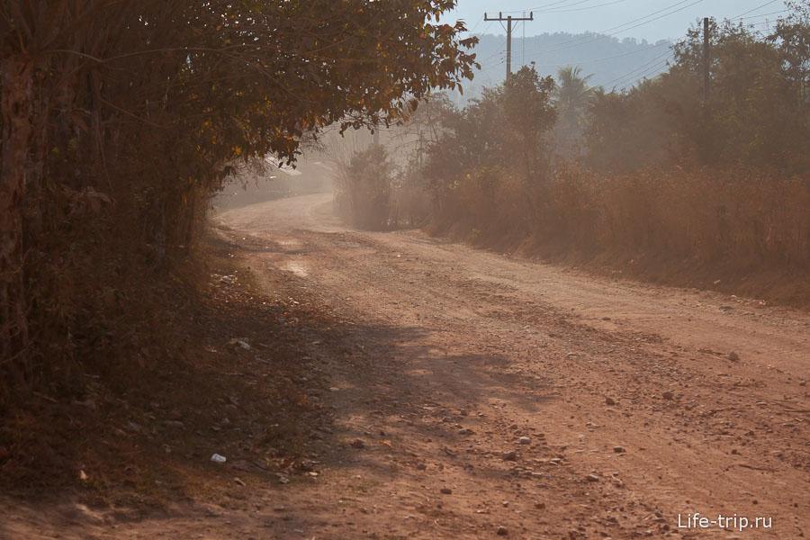 Очень пыльная дорога