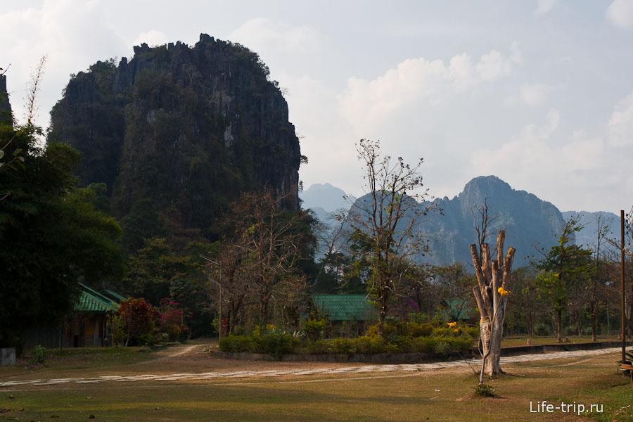 Рядом с Tham Chang Cave