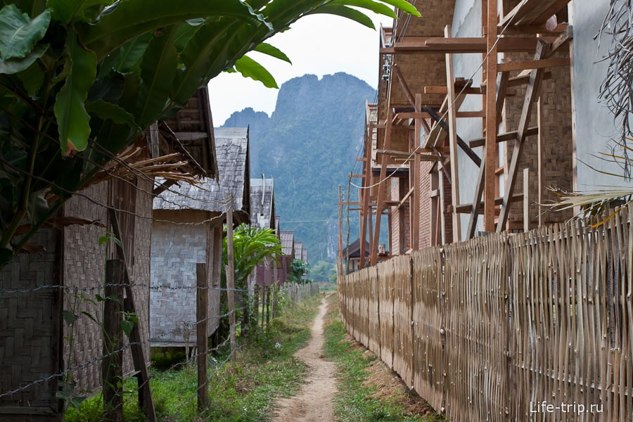 Ванг Вьенг - между бунгал
