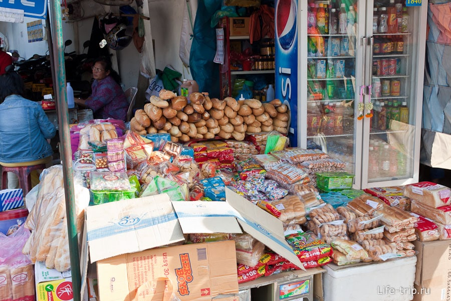 Багеты продаются на каждом углу