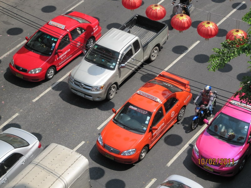 Разноцветные такси