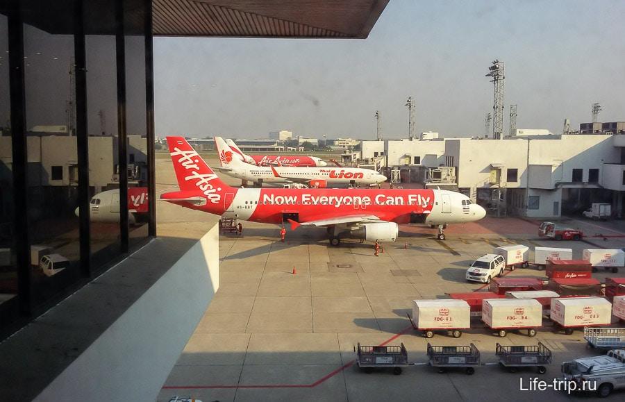 Самый главый лоукостер в Азии - AirAsia