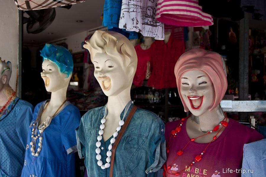 В Тае улыбаются даже манекены!