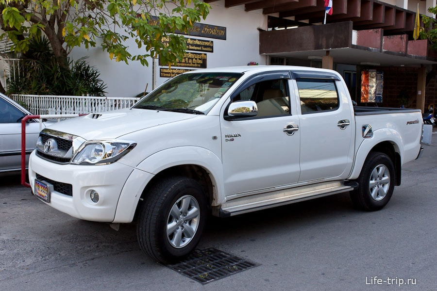 Toyota Hilux - одна из самых популярных машин