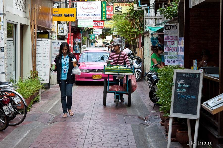 Узкие улицы в центре Бангкока