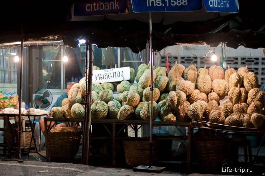 Прилавок с моими любимыми дурианами