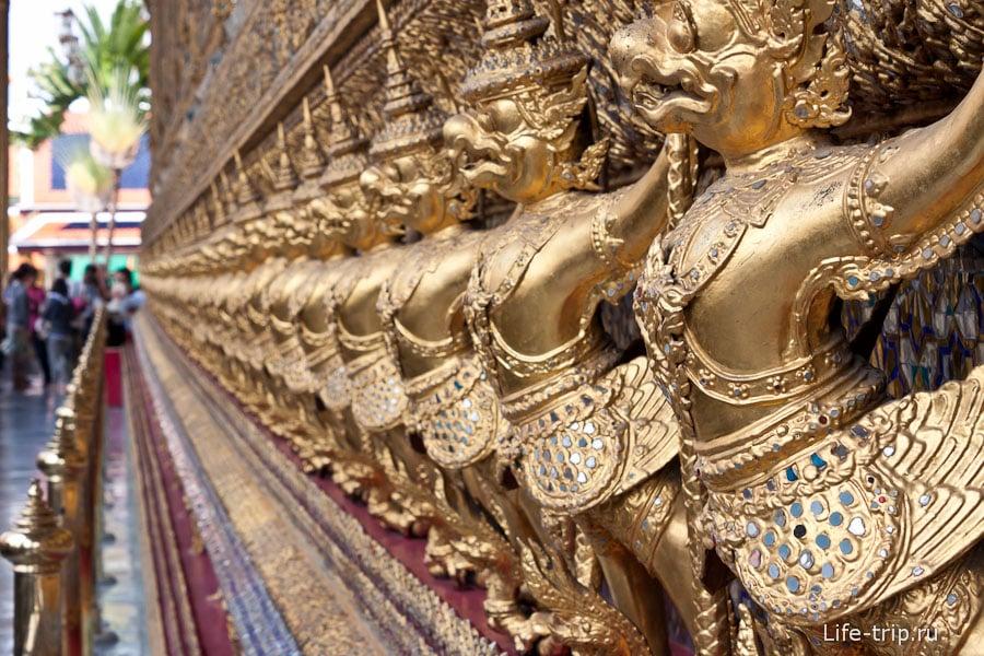 Храм Изумрудного Будды снаружи