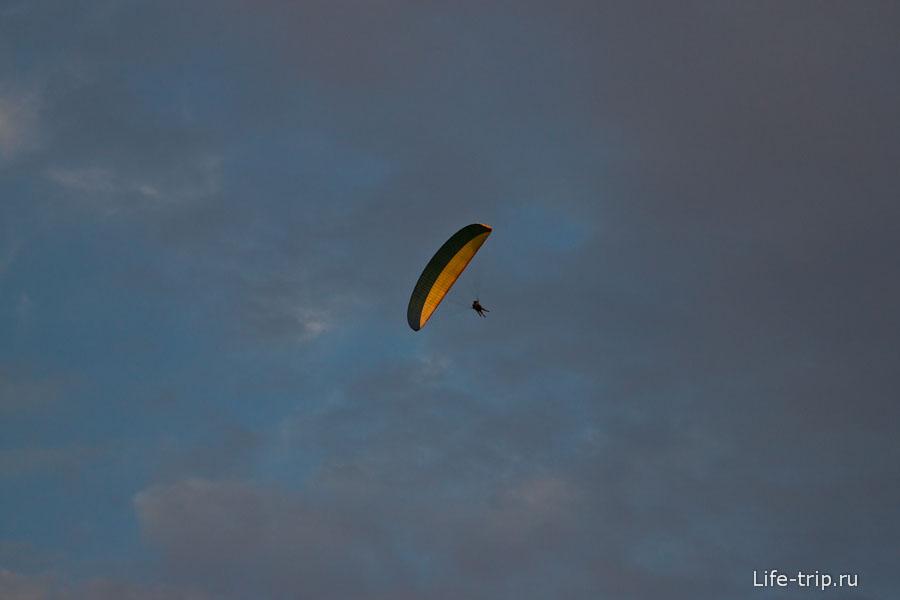 Мы летаем почти под облаками