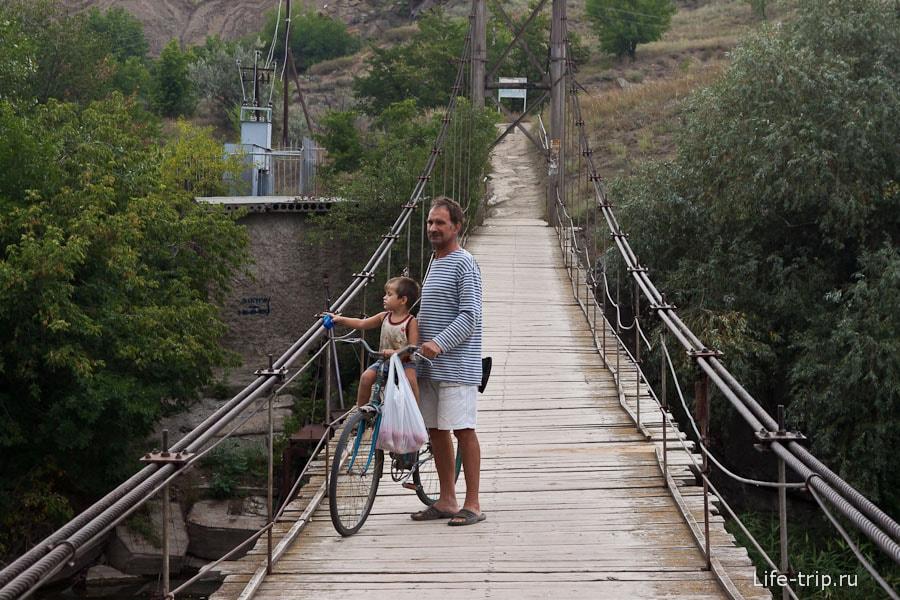 Подвесной мост в Белой Калитве
