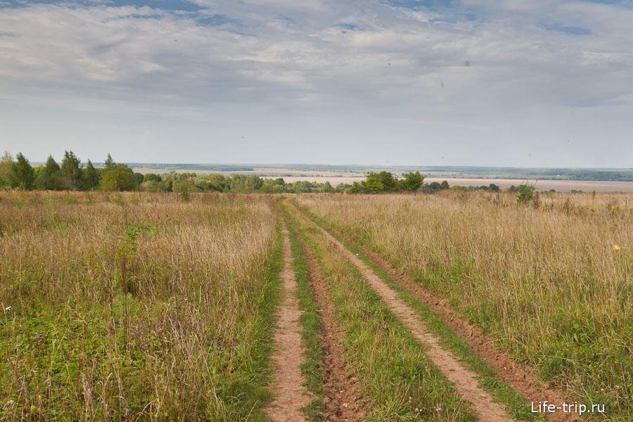 Дороги в поселении пока грунтовые