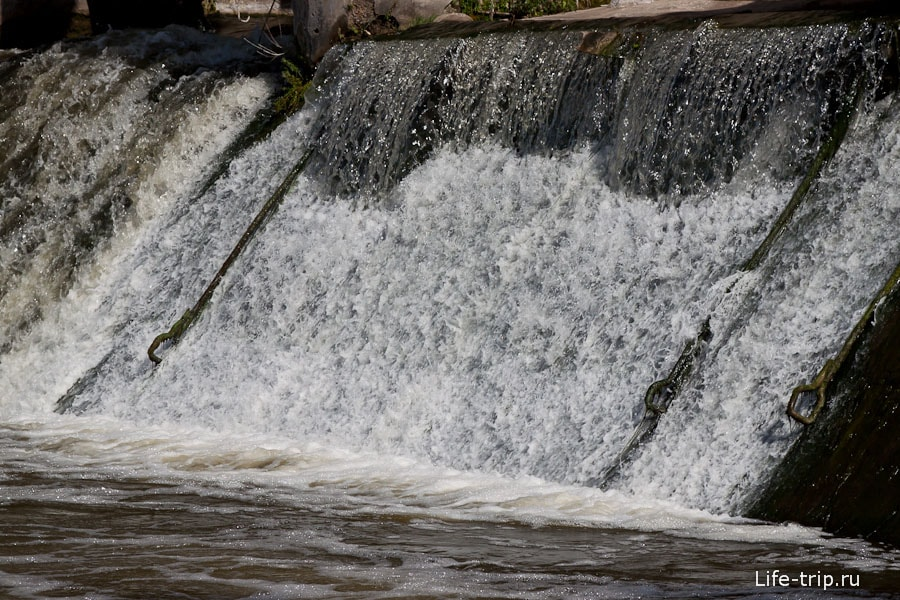 Крюки для подъема воды на короткой выдержке