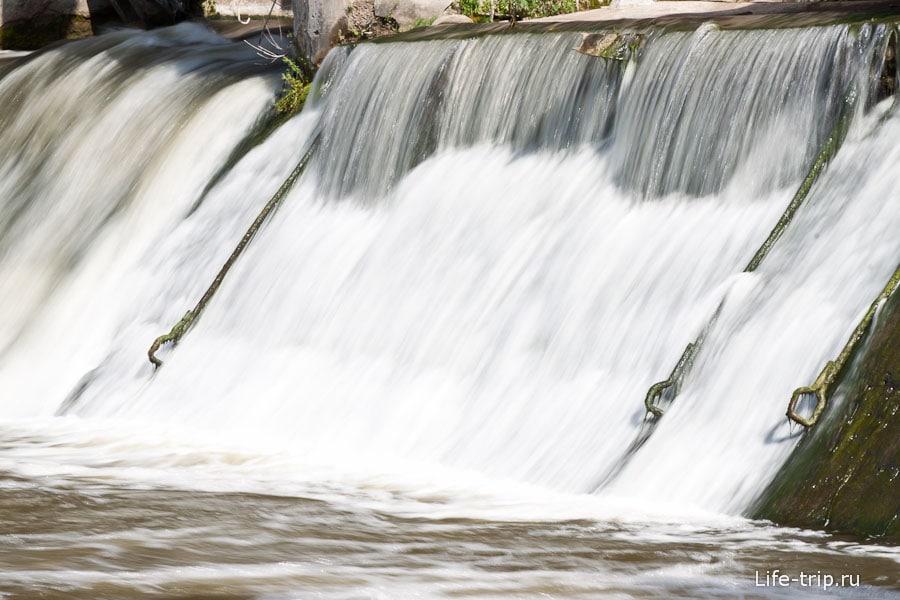Крюки для подъема воды на длинной выдержке