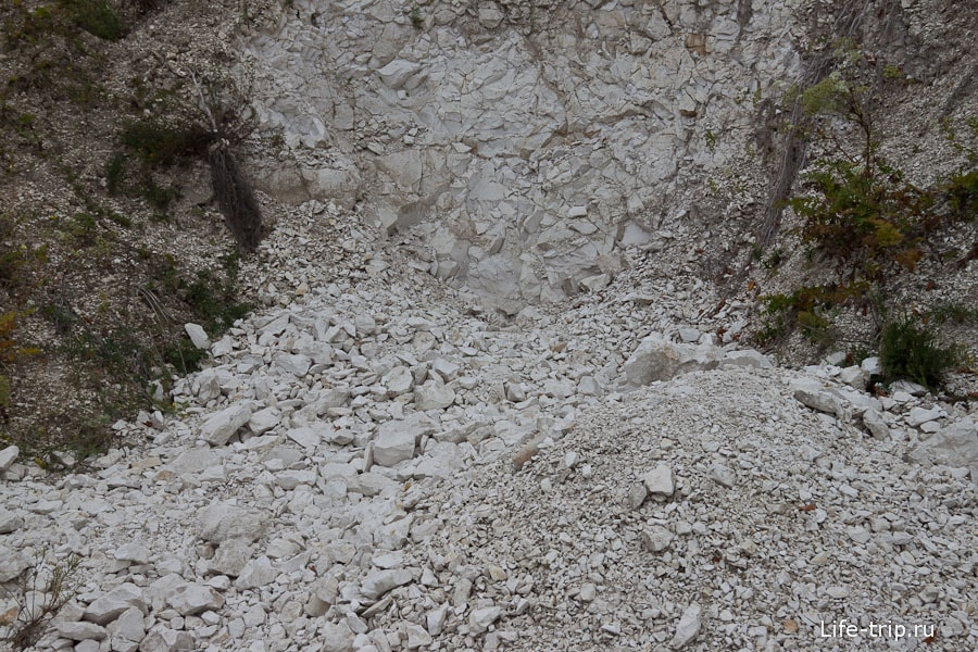 Вход в большую Мигулинскую пещеру