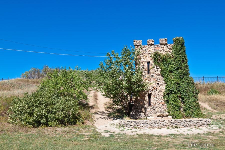 Дом поэта Жукова на территории заповедника