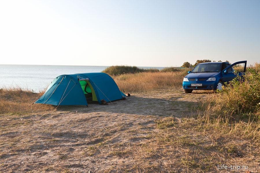 Дикое место под палатку вначале обрыва