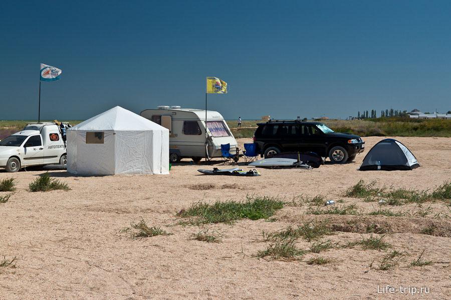 Палаточный лагерь на оконечности косы