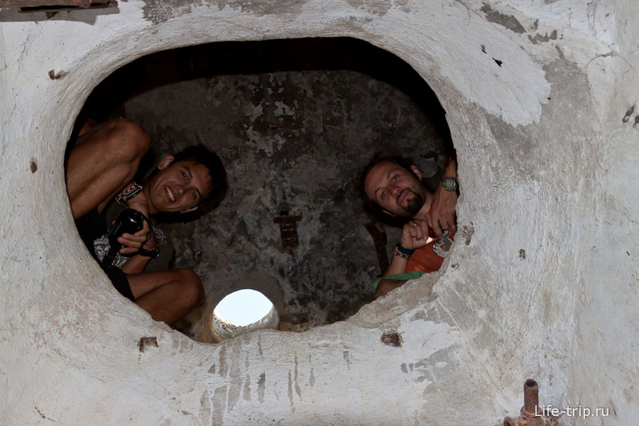 Забрались в бункер