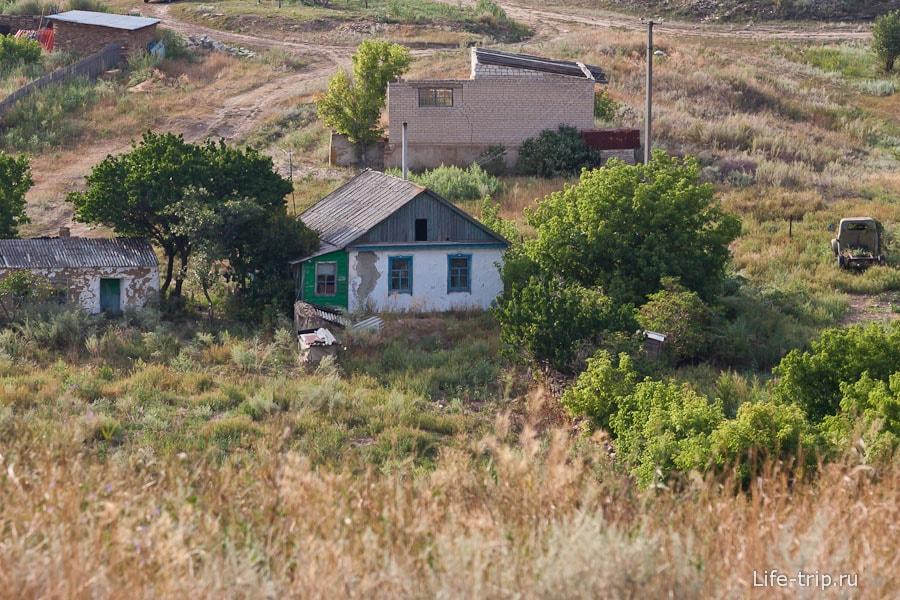 Остатки домов в хуторе Дядин