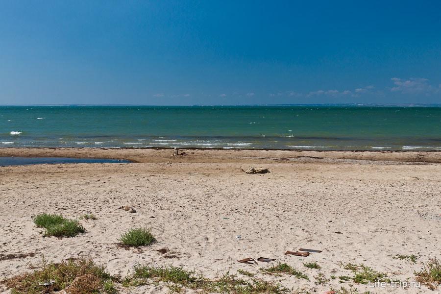 Песчаный берег косы