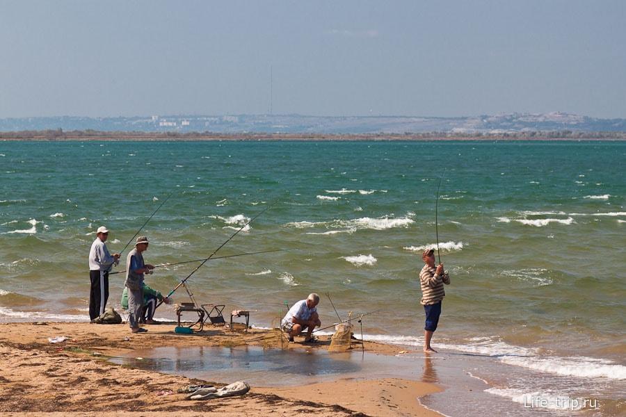 Самое популярное место для рыбалки на оконечности косы