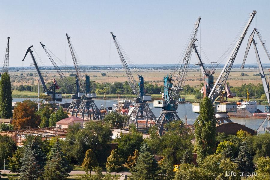 Порт Азов