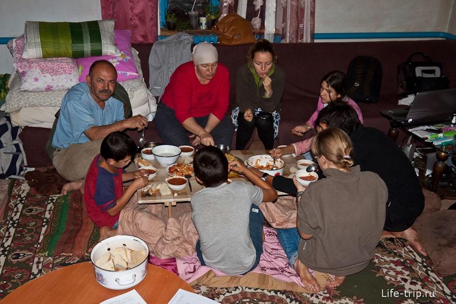 Обычный русско-турецкий ужин в приятном кругу