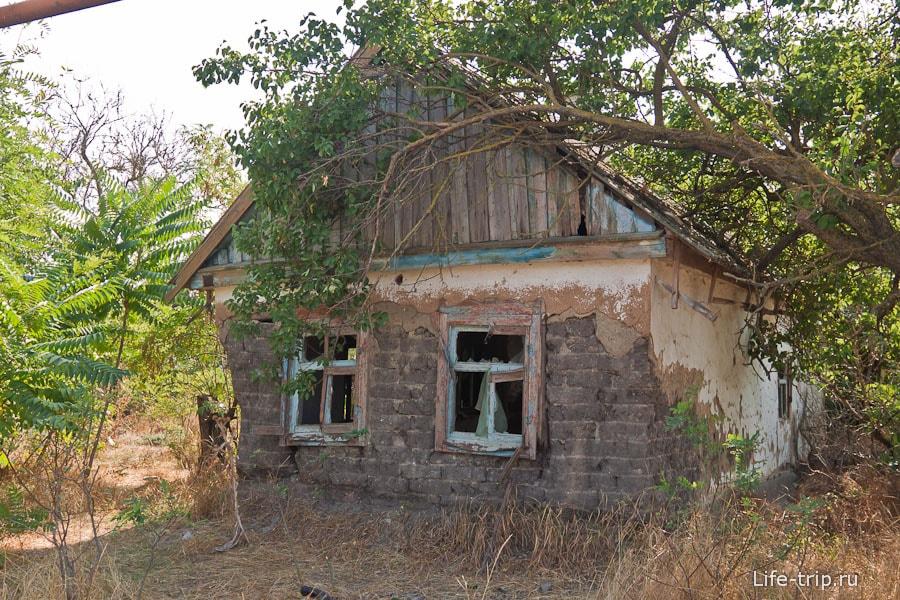 Заброшенные домики в Ясенской переправе