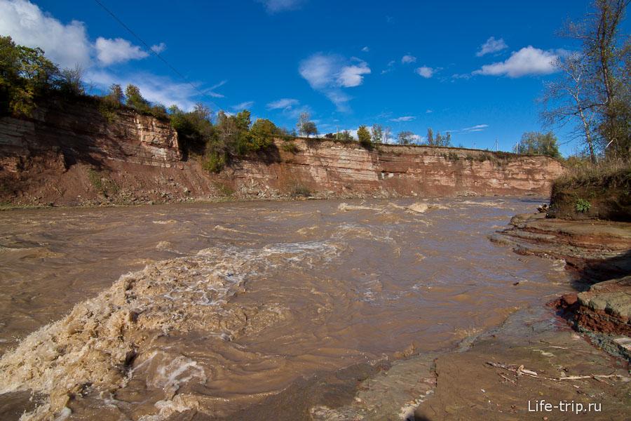 Река Белая сегодня совсем не белая