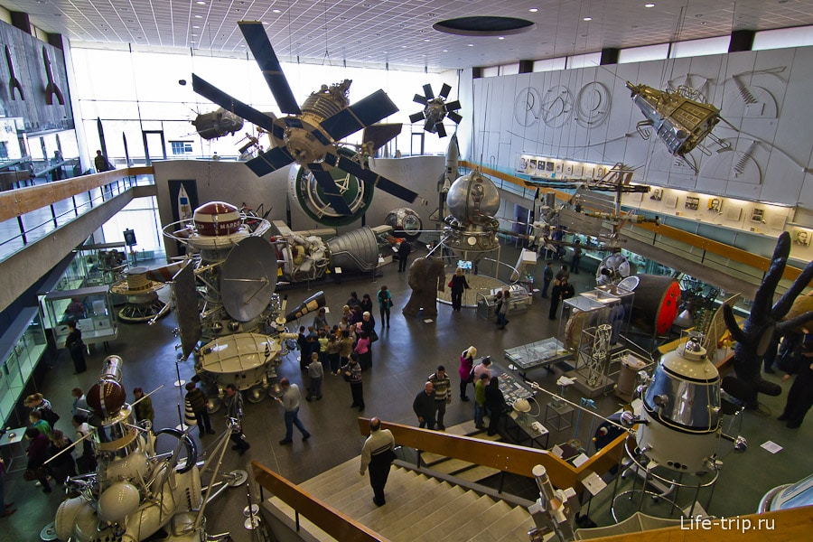 Общий зал музея космонавтики