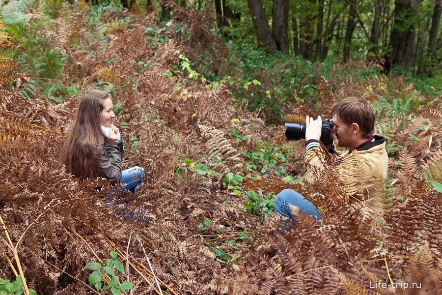 Макс тоже иногда берет в руки фотоаппарат