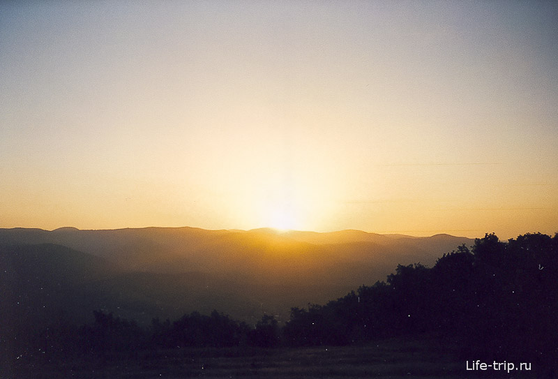 Рассвет на горе Нексис
