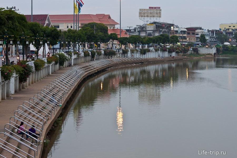 Набережная в Чианг Май
