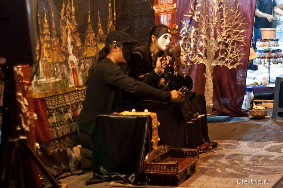 Кукольный театр на Night Bazar