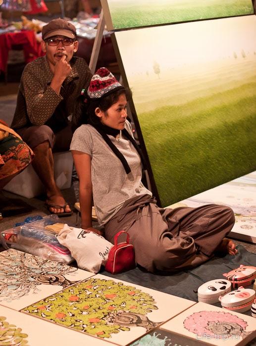 На Night Bazar в Чианг Май