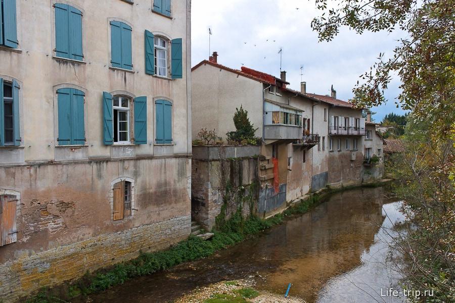Дома с видом на реку