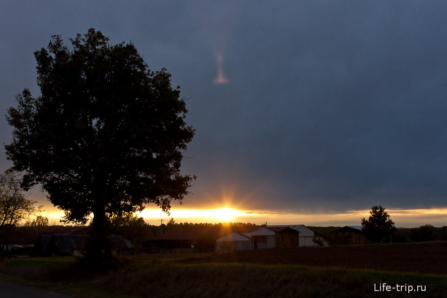 Просто закат после дождя
