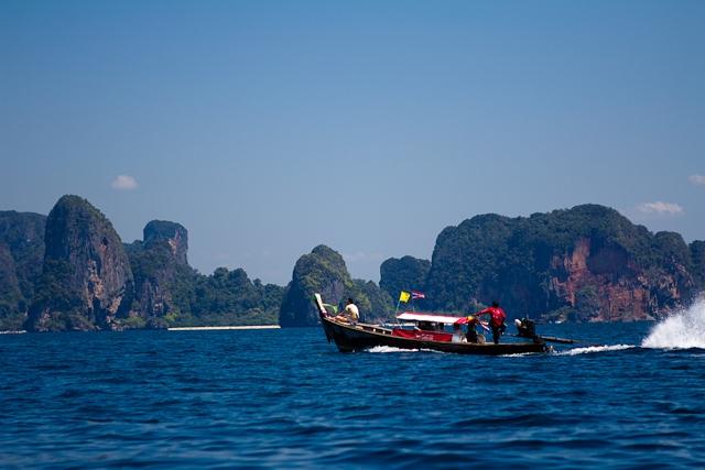 Таиланд - земля романтиков или тропический рай без перспектив? (интервью)
