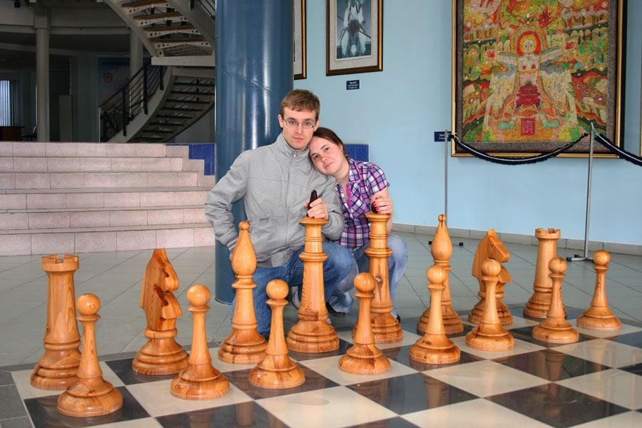 Перед мастер-классом по шахматам во дворце Сити-чесс, Элиста, Калмыкия