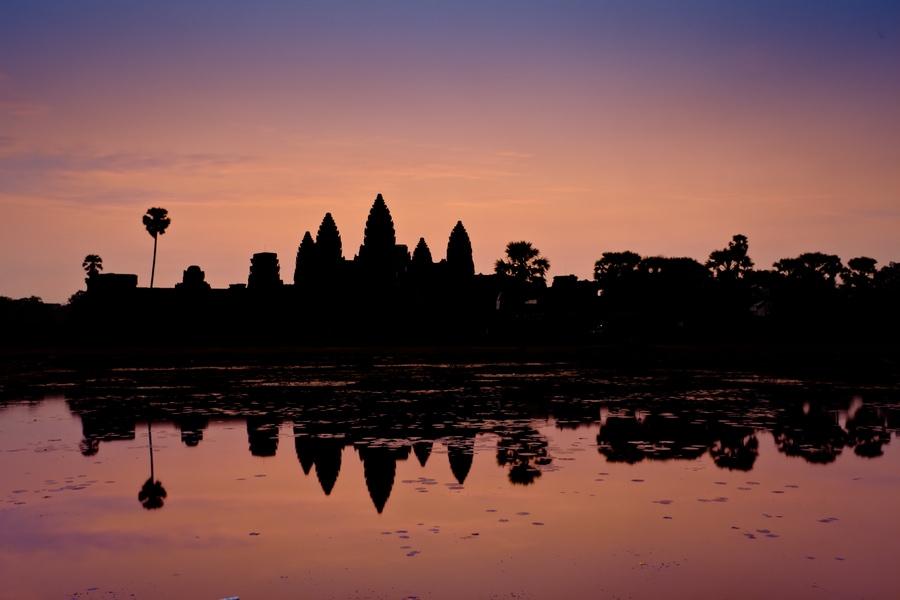 Рассвет, Ангкор Ват в Камбодже