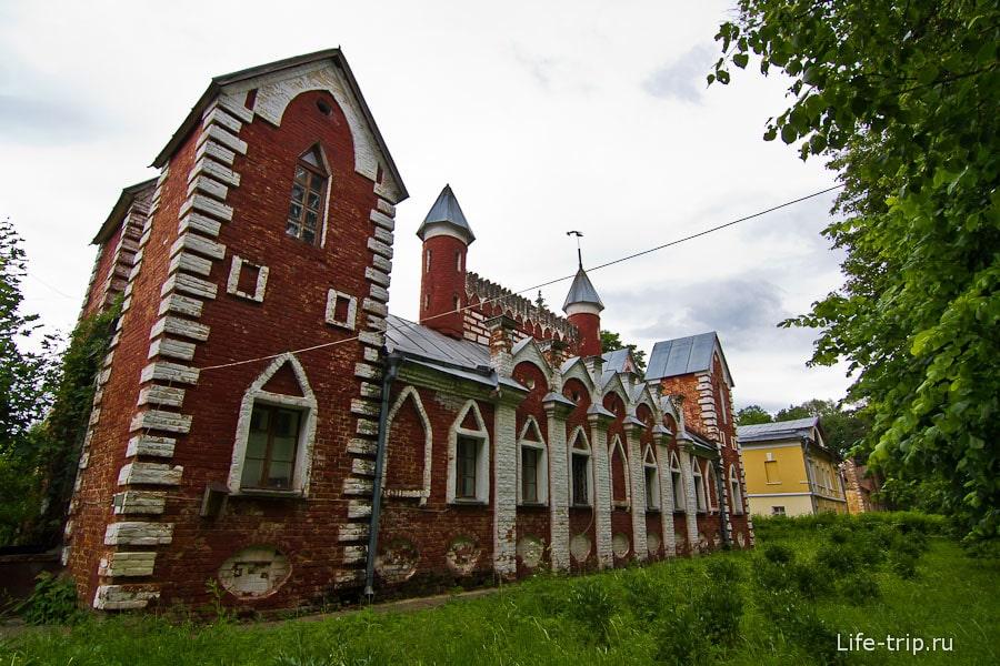 Микрозамок - дом церковнослужителей
