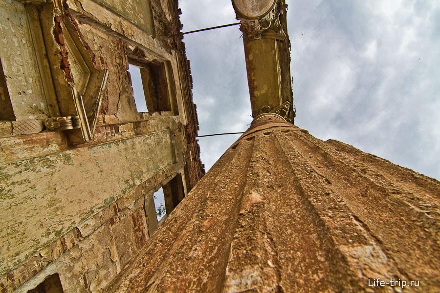 Вертикальные желобки - канелюры
