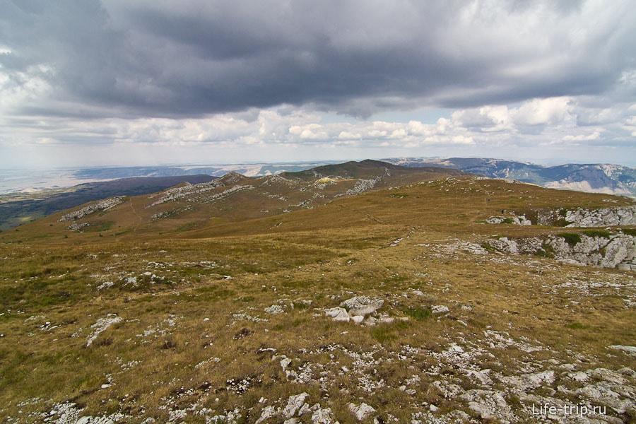 Вид с Эклизи-Бурун на плато Чатыр Даг