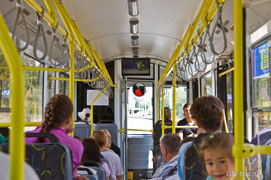 Троллейбус с кондиционером и мультиками