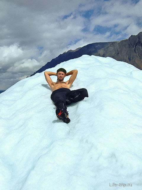 До этого ледника мы шли несколько дней