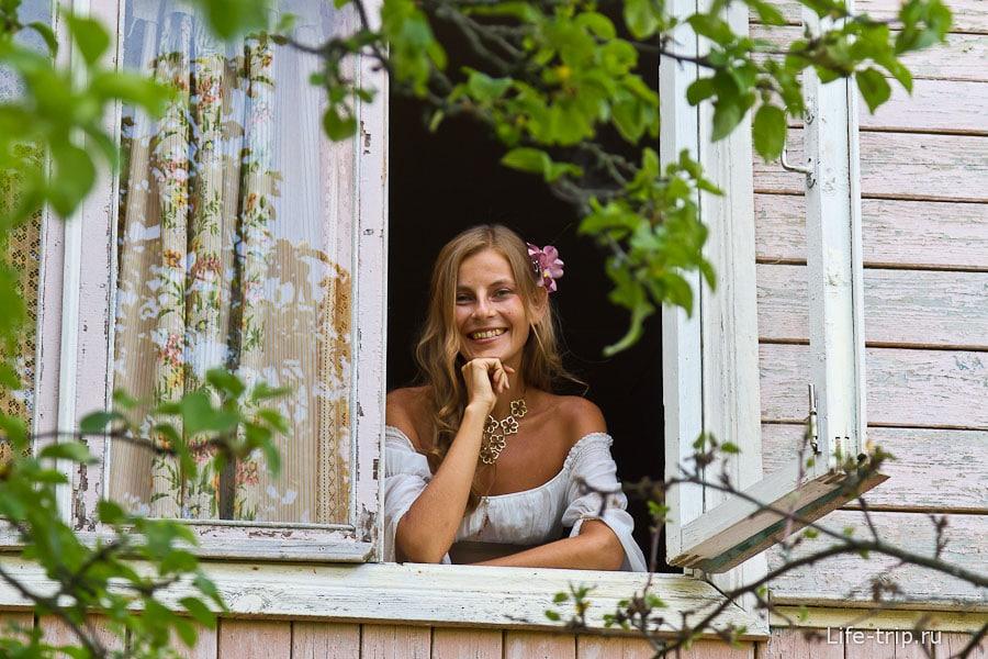 Картинки девочки которая выглядывает из окна