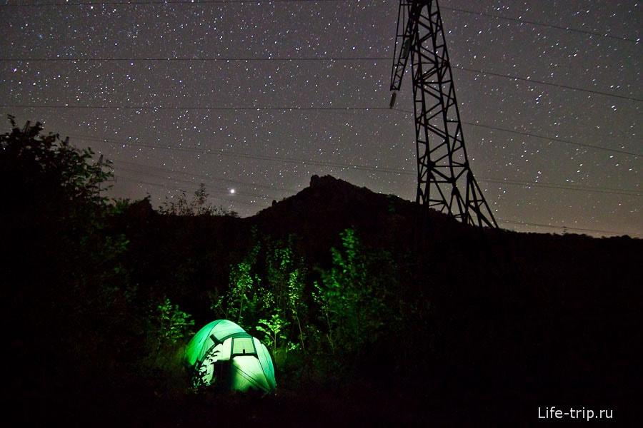 Гора Индюк. ISO1600, 11mm, f2.8, 30sec