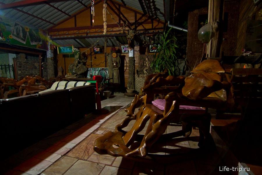 Очаровательная деревянная мебель