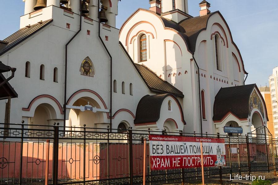 За последние несколько лет везде понатыкали храмы
